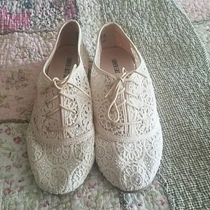 Off white lace flats